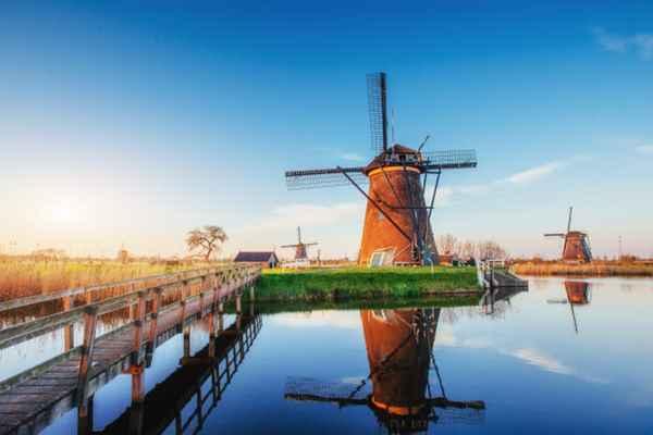 Praca za granicą – Holandia, Skandynawia, a może Czechy?