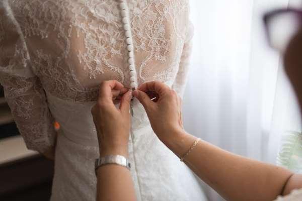 Jaka kreacja będzie idealna na ślub w plenerze?